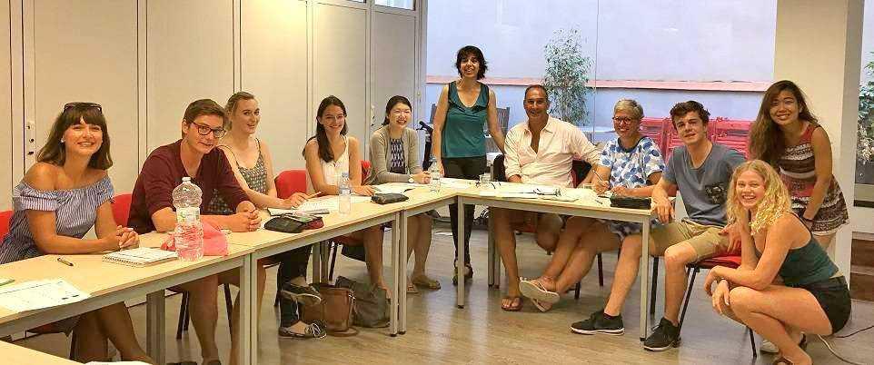 Maria José con su curso de español para principiantes