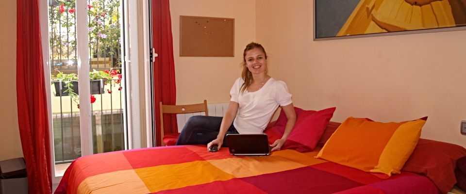 Estudiante en nuestros apartamentos superiores